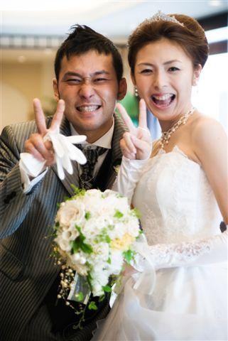 結婚式プロフィールビデオの江口夫妻