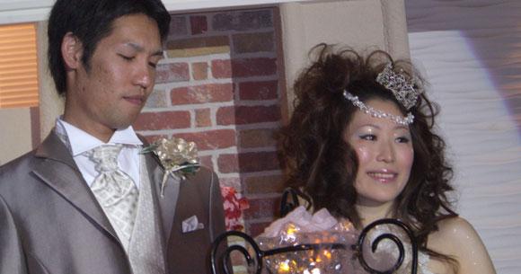 結婚式プロフィールビデオの岡本夫妻