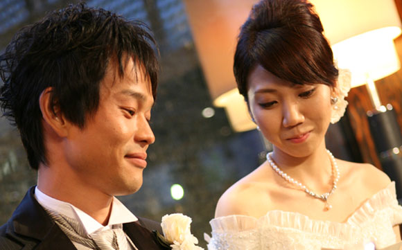 結婚式プロフィールビデオの篠原夫妻